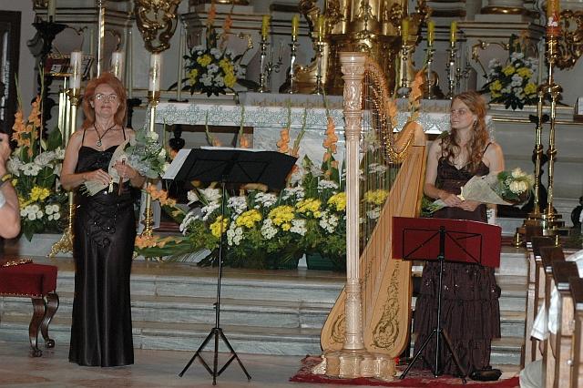 Solistki festiwalu- Jadwiga Kotnowska (flet) i Giedre Siaulyte z Litwy (harfa)